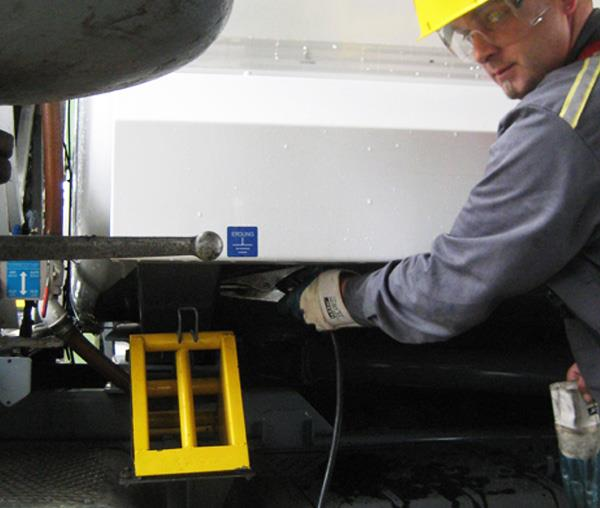 Tanker Grounding Devices Header Image - 2
